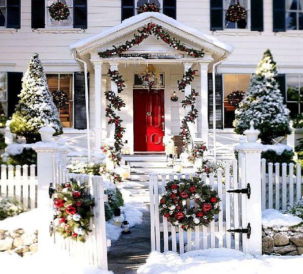 Как украсить двор на новый год своими