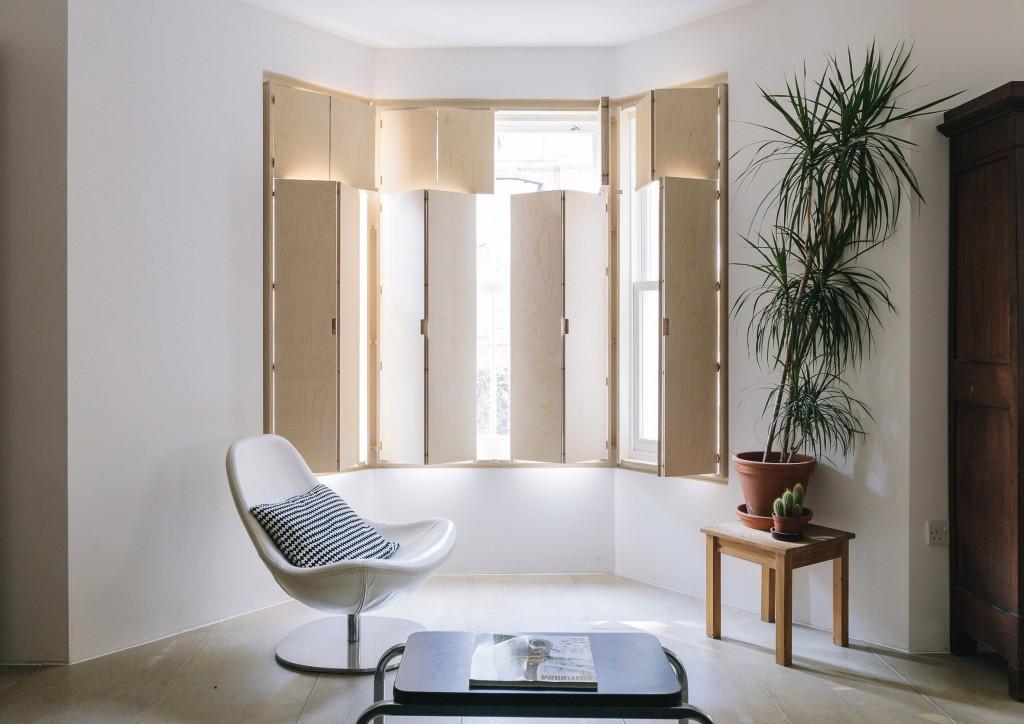 maries-wardrobe-tsuruta-architecture-residential_dezeen_2364_col_1