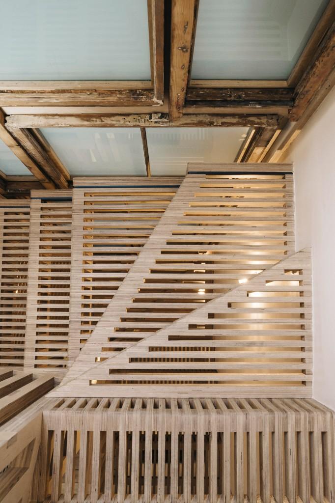 maries-wardrobe-tsuruta-architecture-residential_dezeen_2364_col_25