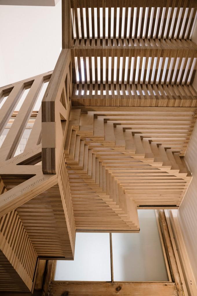maries-wardrobe-tsuruta-architecture-residential_dezeen_2364_col_29
