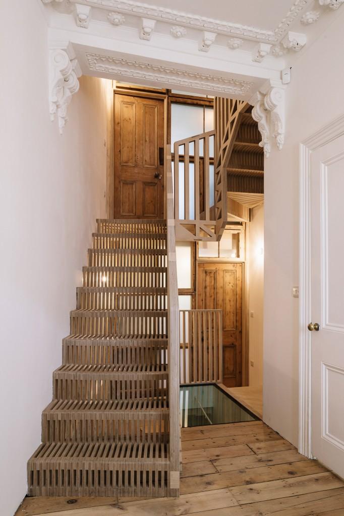 maries-wardrobe-tsuruta-architecture-residential_dezeen_2364_col_7